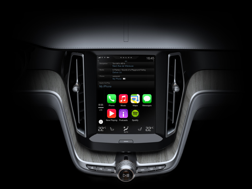 Apple CarPlay brings all the features and services familiar to iPad, iPhone or iPod users directly into the car via Volvo's large centre console touch screen display.