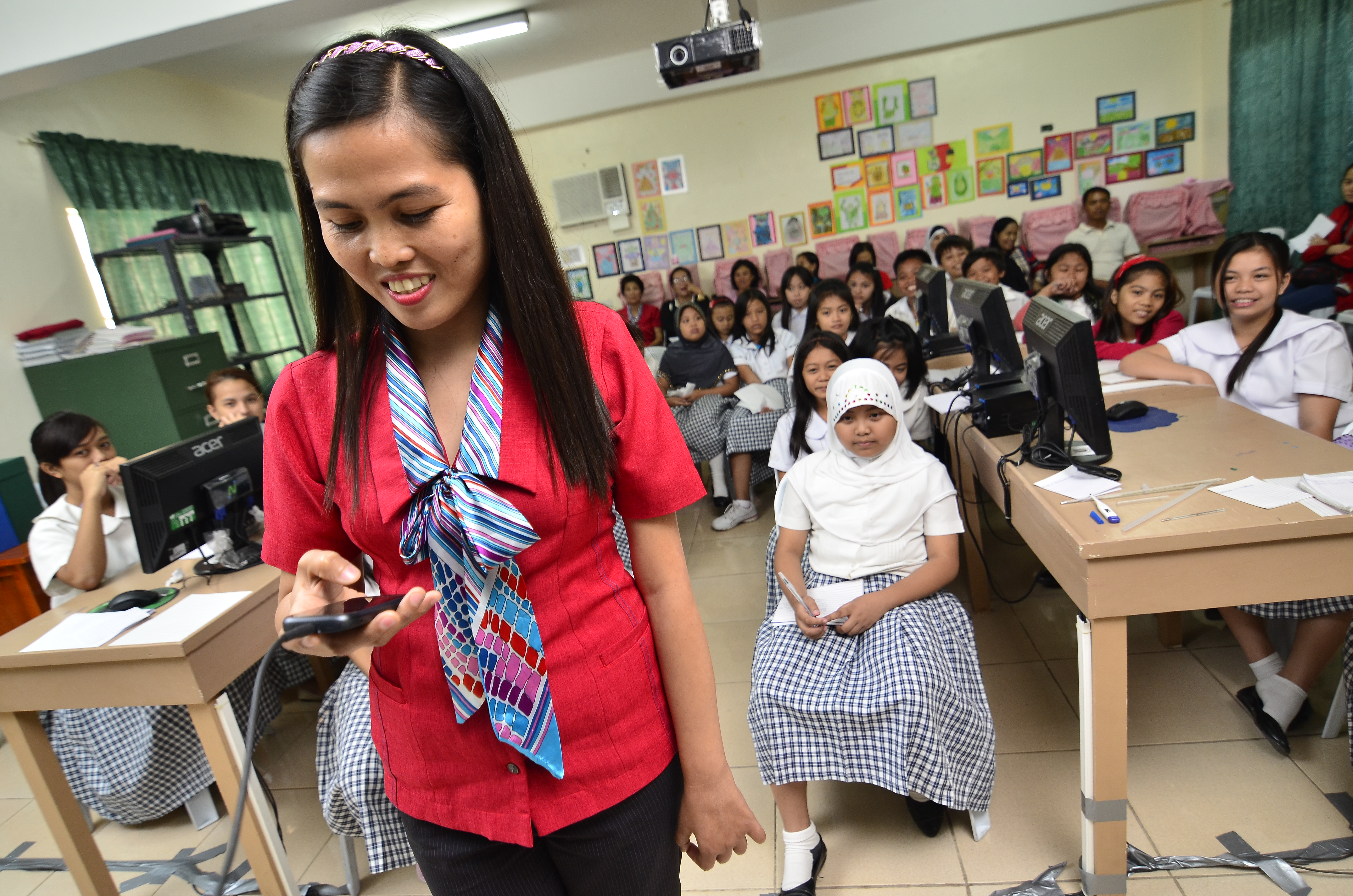 How mobile technology has bridged the education gap in PH ...
