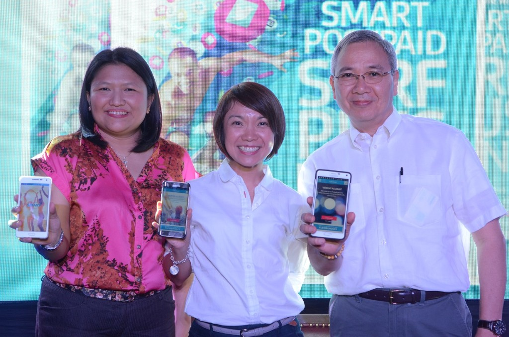 Smart Postpaid Senior Brand Manager Jazmine Manabat, Smart Postpaid Marketing Head Kathy Carag, and Smart Public Affairs Head Mon Isberto together reveal a revitalized postpaid lineup from Smart, offering power and flexibility with the best digital experiences on mobile, starting at Plan 399. PHOTO CREDIT: SMART