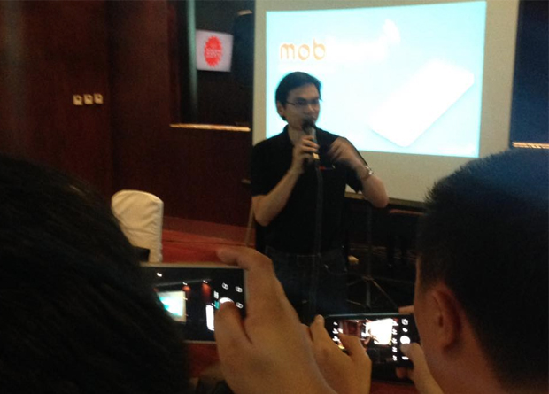 """At  the launch of mobkard, a location-based mobile solutions provider, that aims to give users the """"best and the latest deals from the biggest brands."""" As Francis Uy, one of the people behind mobkard, said, """"everyone loves a good deal... and mobkard brings this wealth of knowledge closer to users."""""""
