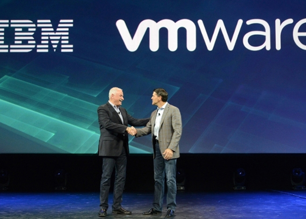 IBM Cloud senior vice president Robert LeBlanc (left) and VMware president and chief operating officer Carl Eschenbach announced a strategic partnership to help companies easily extend their applications running on VMware's software to the IBM Cloud.