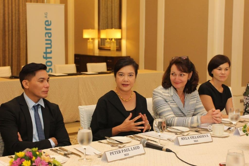 From left:  MDI Group Sales Director Peter Laud;  MDI Managing Director Myla Villanueva; Software AG – Asia Pacific & Japan Chief Operating Officer Stanimira Koleva; and Software AG VP  Partner Sales Anneliese Schulz.