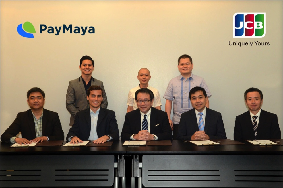 Patrick Zulueta, Marketing Manager for PayMaya Business; Noel Fidelino, Merchant Acquiring Head of JCB Philippines; Jim Cua, Business Development Head of JCB Philippines. (Second row) Mar Lazaro, Assistant Vice President and Head of Payments and Acquiring of PayMaya Philippines; Paolo Azzola, co-COO and Managing Director of PayMaya Philippines; Kimihisa Imada, Deputy President of JCBI; Vincent Ling, Managing Director of JCBI AP; Mikihisa Asano, Country Manager of JCBI AP Philippines