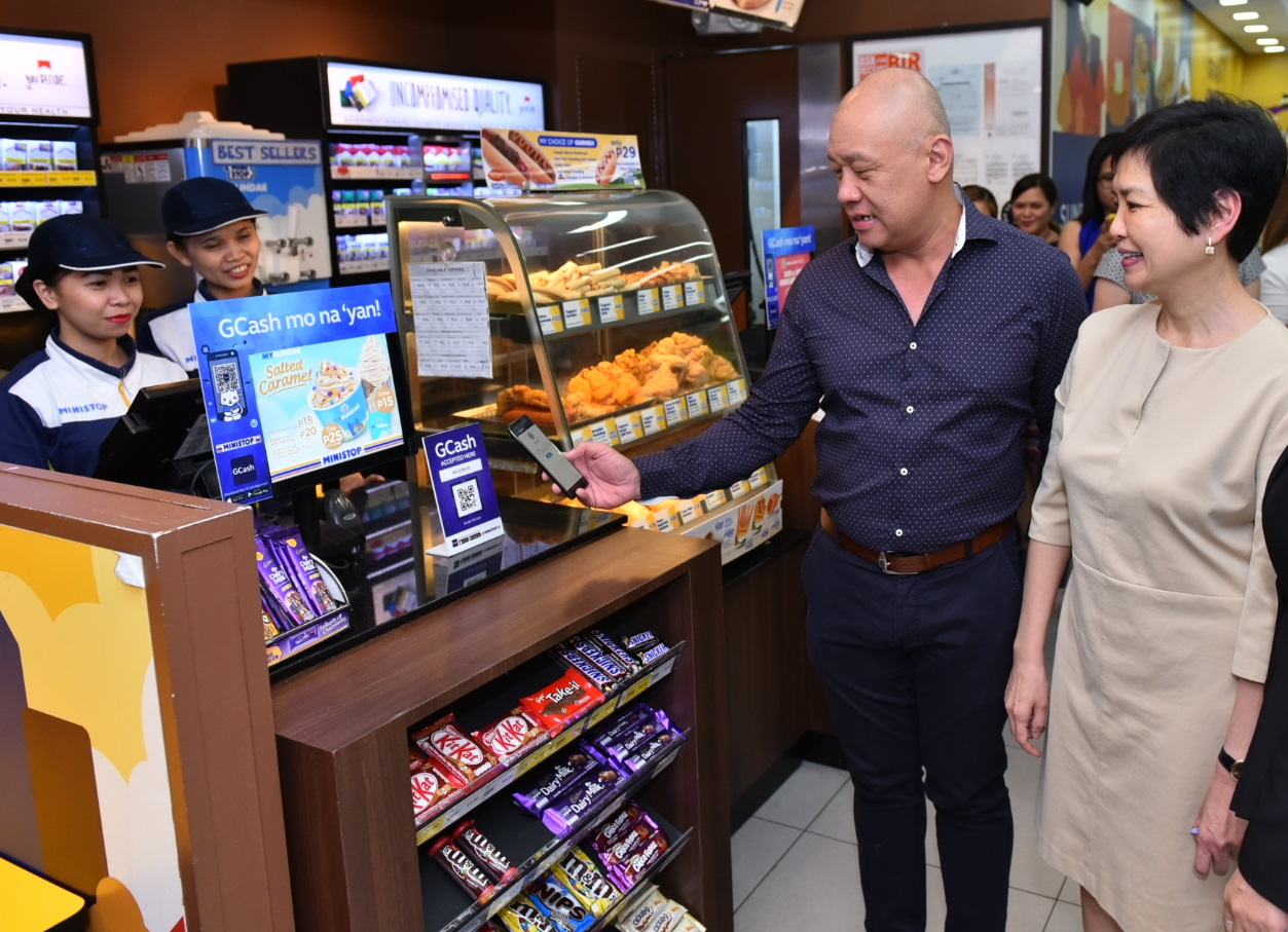Robinsons Retail expands acceptance of GCash QR payments
